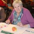 Mardi 04 novembre 2014, les pensionnaires de la Résidence de l'Illmatt, ont pu déployer leurs talents artistiques et leurs imaginaires lors d'un atelier peinture sur le thème de la pomme.